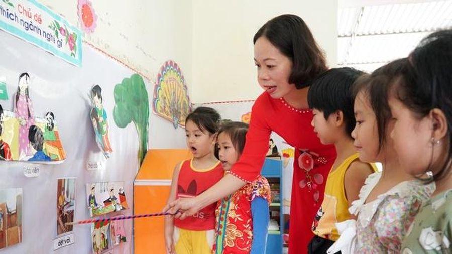 Gỡ khó tăng cường tiếng Việt với học sinh dân tộc thiểu số