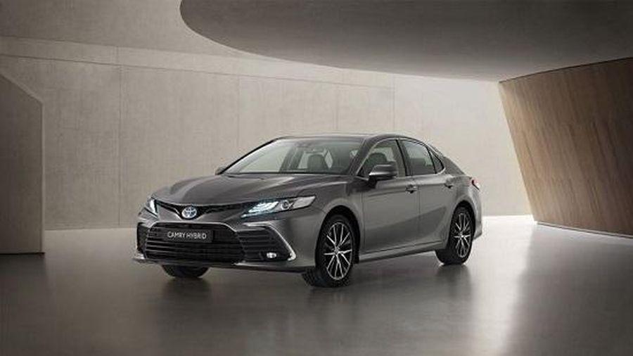 Toyota Camry Hybrid 2021 ra mắt với nhiều công nghệ, nâng cấp hiện đại
