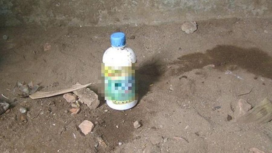 Hà Nội: Người đàn ông uống thuốc trừ cỏ tự tử vì thua cờ tướng