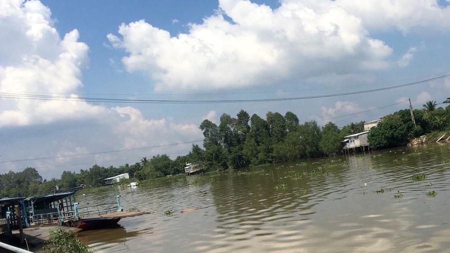 Nhảy xuống sông khi bị truy sát, 2 người tử vong