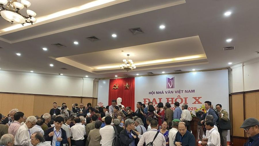 Ông Nguyễn Bình Phương trúng Ban chấp hành Hội nhà Văn với số phiếu cao nhất