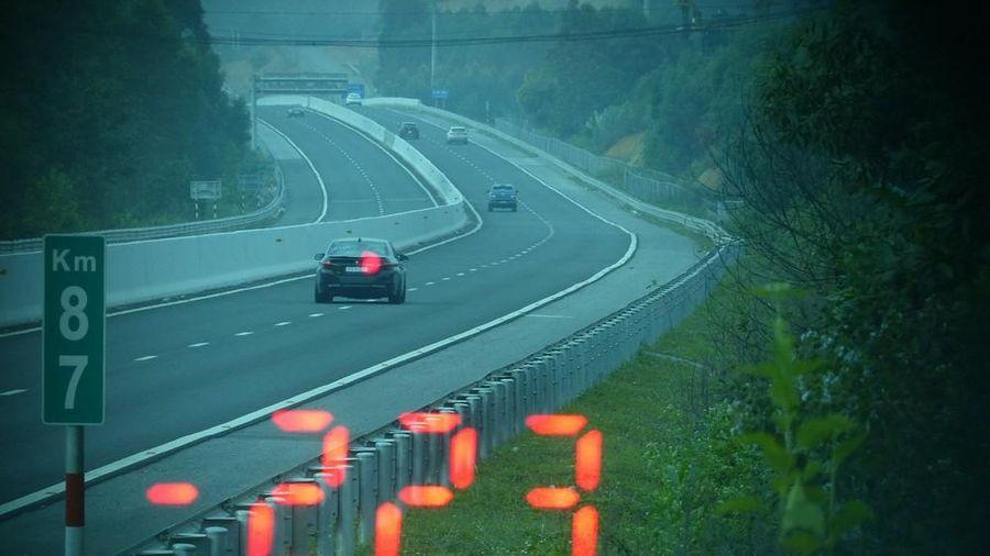 Tài xế lái BMW đi ăn cưới với tốc độ 223 km/h trên cao tốc