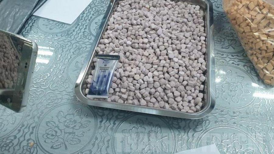Phát hiện hơn 20kg ma túy trong kiện hàng gửi chuyển phát nhanh