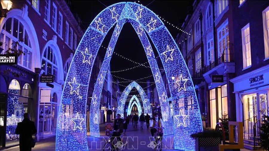 Anh khuyến cáo người dân cân nhắc kỹ lưỡng việc đi lại dịp Giáng sinh