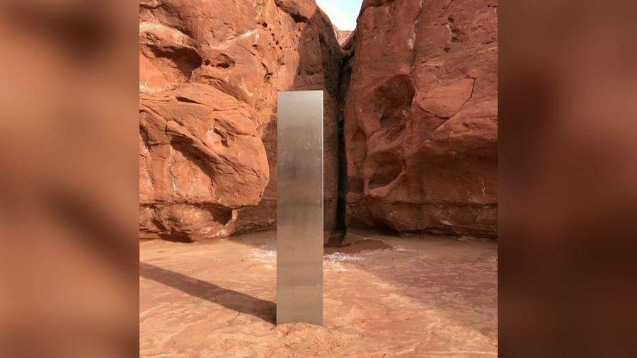 Phát hiện khối kim loại bí ẩn trong hoang mạc nước Mỹ