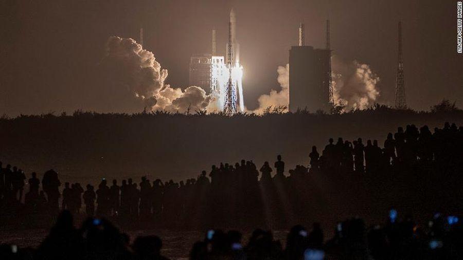 Trung Quốc phóng tàu thu thập mẫu vật trên Mặt trăng