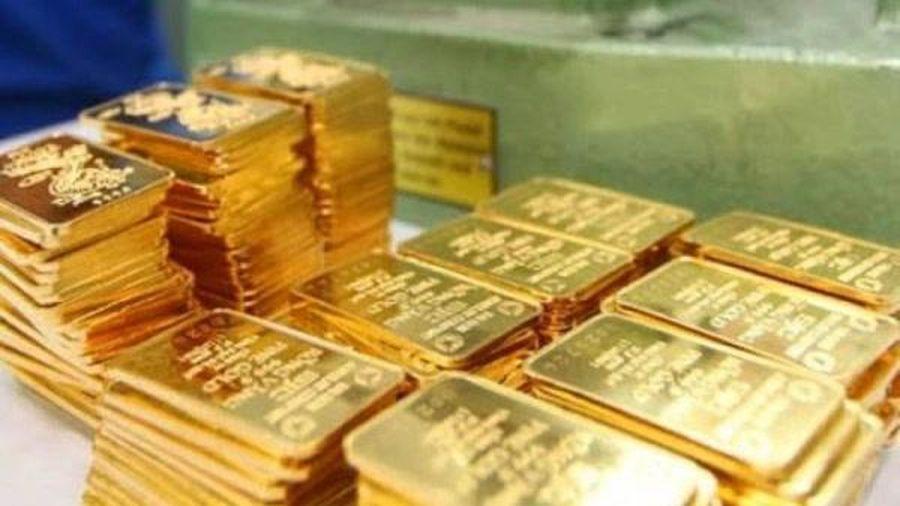 Lần đầu tiên sau nhiều tháng, giá vàng trong nước giảm 700.000 đồng/lượng