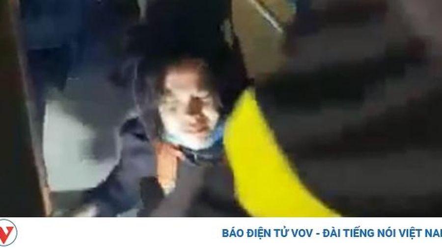Giải cứu kịp thời cô gái bị rơi xuống giếng thang máy