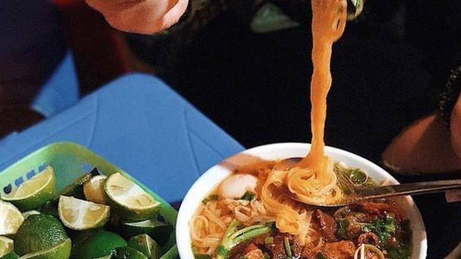 Ăn đêm: Nhiều nguy cơ gây hại cho sức khỏe, nhưng vẫn có một số lợi ích