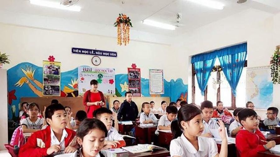 Quy hoạch mạng lưới trường lớp: 'Đuổi hình bắt bóng'