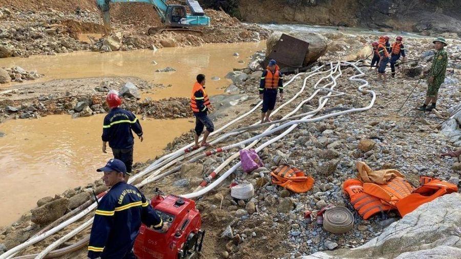 Lực lượng cứu hộ tại Rào Trăng tạm rút về sau gần 10 ngày nỗ lực tìm kiếm