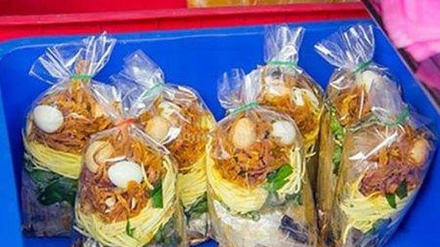 Đà Nẵng: 6 người nhập viện nghi ngộ độc bánh tráng trộn