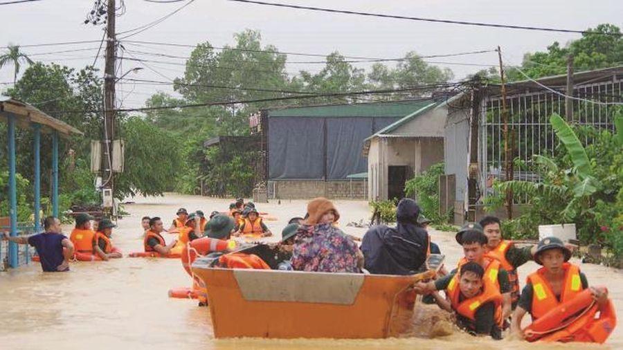 Thủ tướng cấp 670 tỷ đồng cho 9 tỉnh khắc phục hậu quả bão, lũ