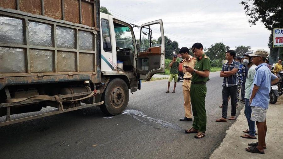 Hai nữ sinh tử vong thương tâm trên đường tới trường