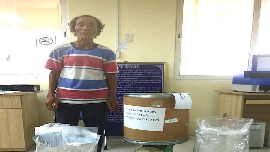 An Giang: Bắt người đàn ông vận chuyển 10 kg ma túy