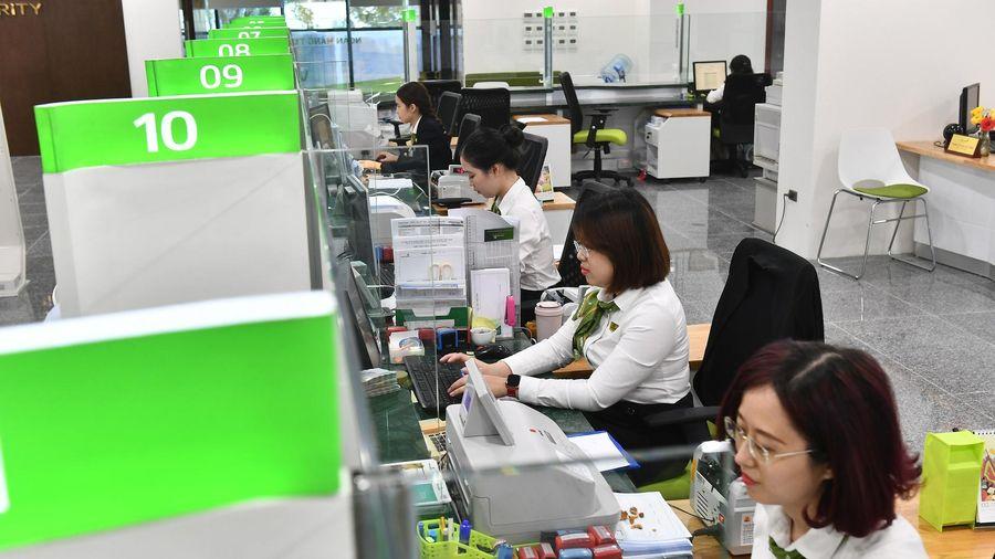 Ngân hàng cung cấp thông tin tài khoản cho cơ quan thuế như thế nào?