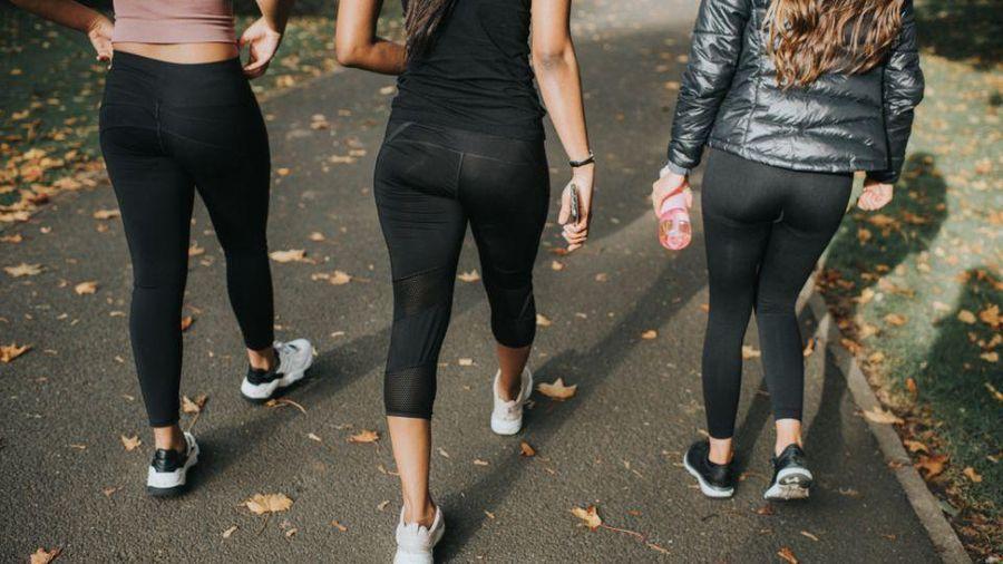 Trường ở Ireland cấm nữ sinh mặc quần bó vì giáo viên mất tập trung