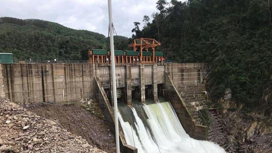 Xử phạt 500 triệu đồng đối với thủy điện bất tuân công điện chống bão