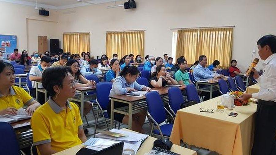 Giúp CNVC-LĐ tiếp cận chính sách pháp luật