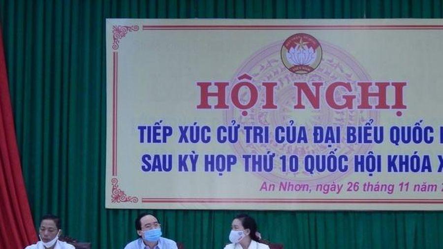 Bộ trưởng Phùng Xuân Nhạ giải đáp nhiều vấn đề GD cử tri quan tâm