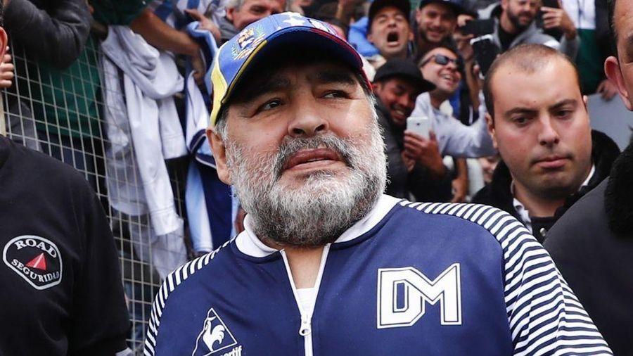 Vì sao chỉ sau cơn đột quỵ, huyền thoại bóng đá Diego Maradona có thể qua đời?