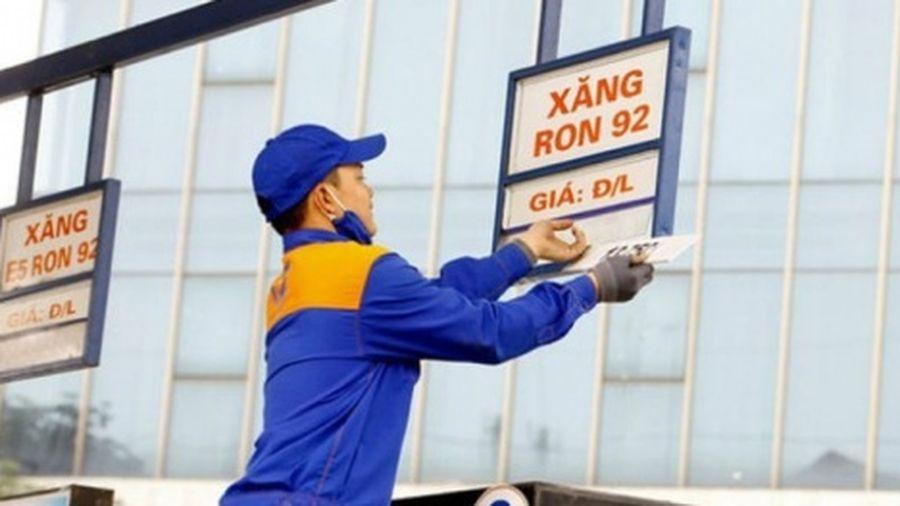 Giá xăng vừa tăng mạnh