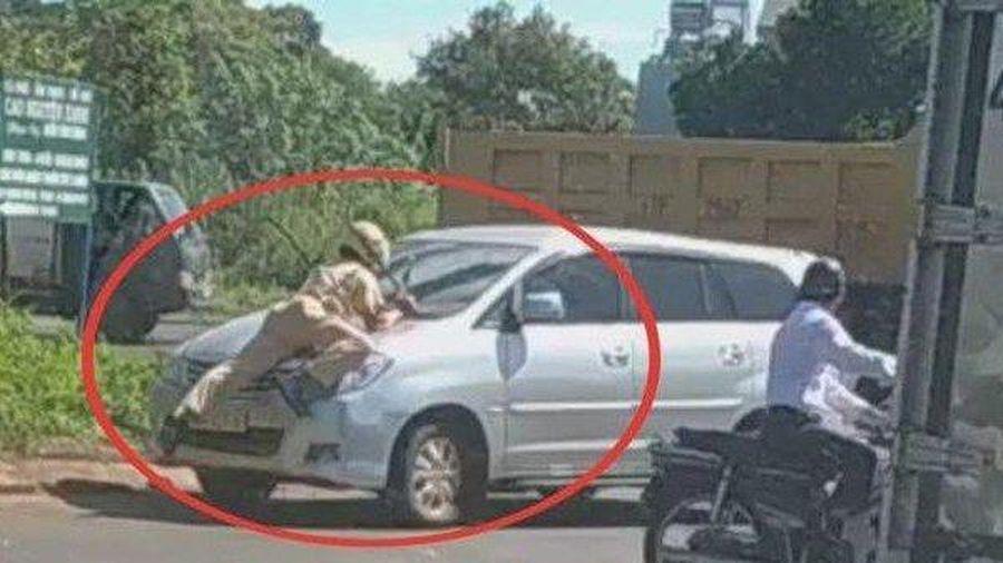 Triệu tập tài xế lái xe ô tô tông thẳng vào tổ tuần tra CSGT