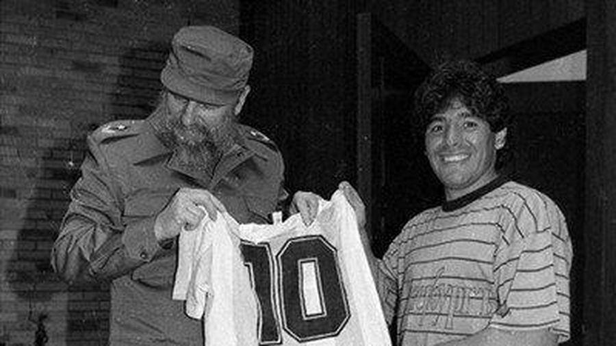 Maradona qua đời đúng ngày thần tượng của ông là Fidel Castro mất