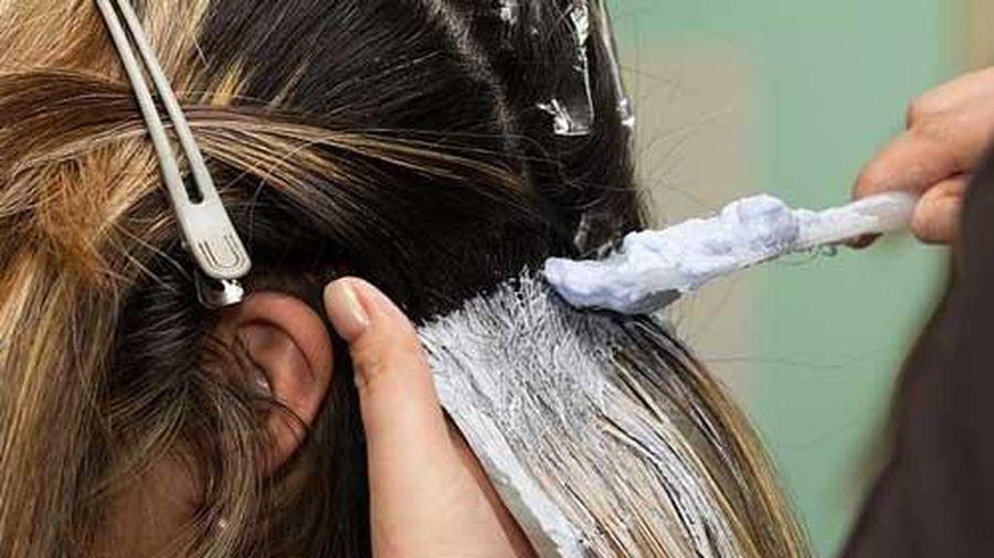 Thuốc nhuộm tóc có thể làm tăng nguy cơ mắc bệnh ung thư vú
