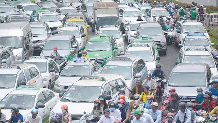 TP.HCM: Thu phí ô tô vào trung tâm không thể chậm hơn