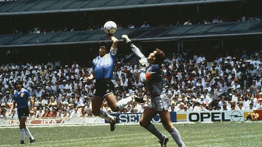 Huyền thoại bóng đá xứ Tango Diego Maradona qua đời