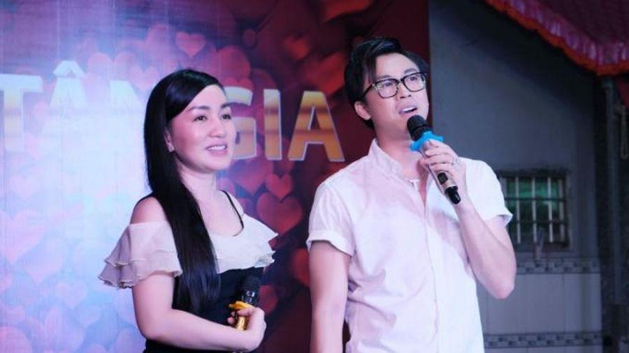 'Dàn sao' tham gia tiệc tân gia của Hồ Việt Trung