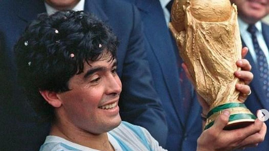 Những dấu ấn thú vị về cuộc đời huyền thoại bóng đá Diego Maradona