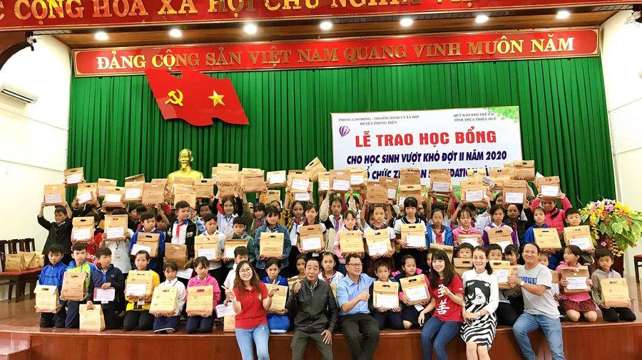 Thừa Thiên Huế: Gần 600 suất học bổng tặng học sinh vượt khó năm 2020