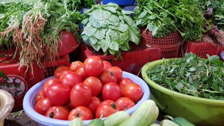 Giá thực phẩm hôm nay 26/11: Giá rau củ không có biến động
