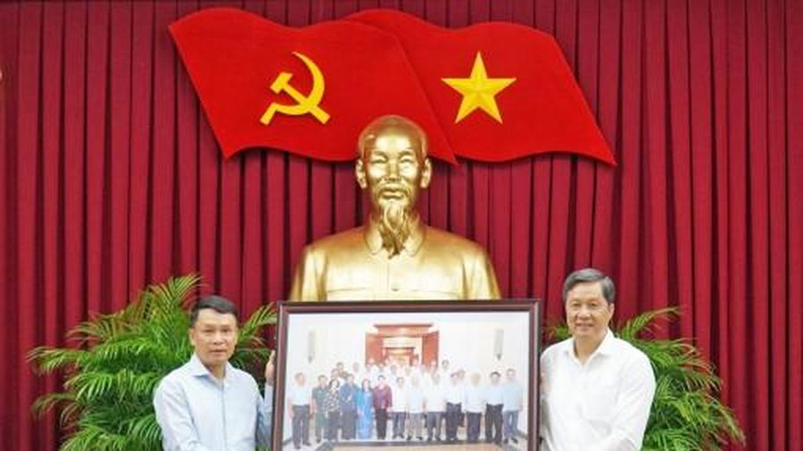 Lãnh đạo TP Cần Thơ tiếp và làm việc với Đoàn công tác Thông tấn xã Việt Nam