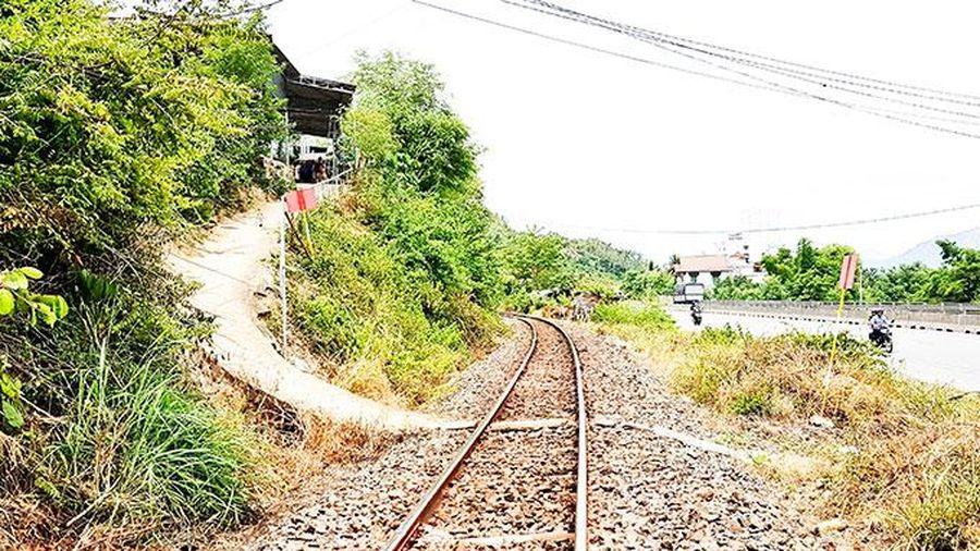 Bảo đảm trật tự an toàn giao thông đường sắt