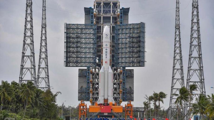 Trung Quốc khởi động sứ mệnh đầu tiên thu thập đá Mặt Trăng mang về Trái Đất