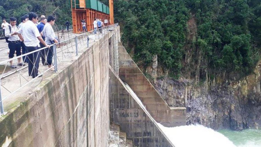 Phạt 500 triệu đồng thủy điện Thượng Nhật tích 'bom nước' giữa bão lũ