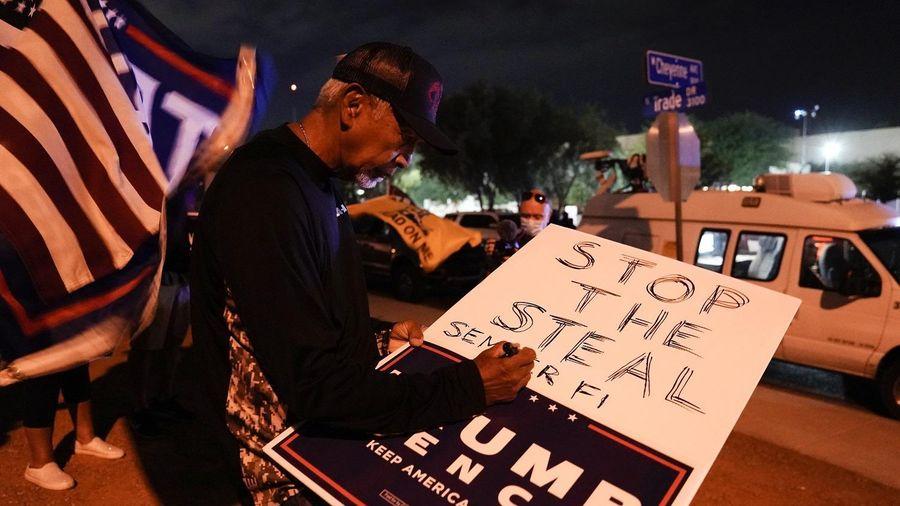 Tòa cho phép ông Trump đưa ra bằng chứng, có thể lật ngược kết quả bang Nevada