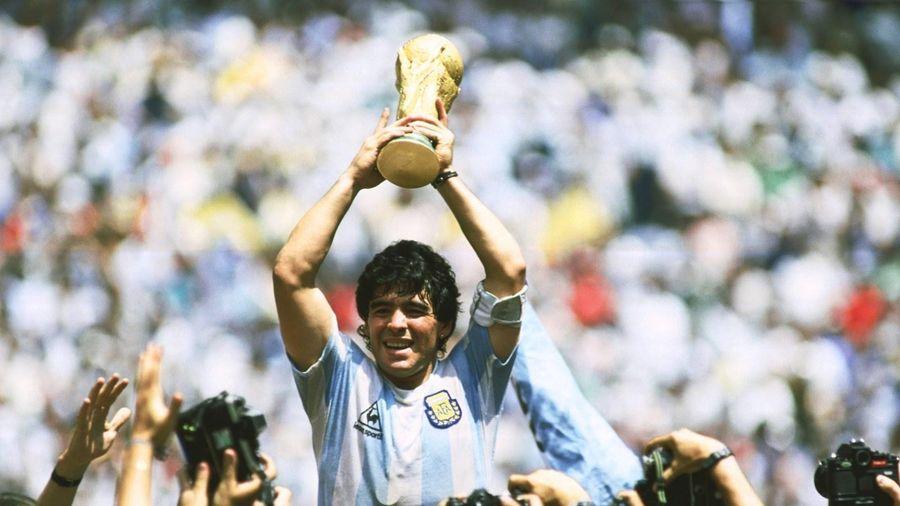 Mời bạn đọc viết về những kỷ niệm khó quên với Diego Maradona