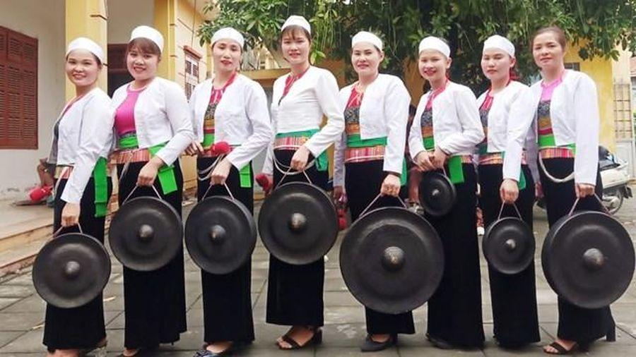 Trang phục truyền thống của phụ nữ dân tộc Mường