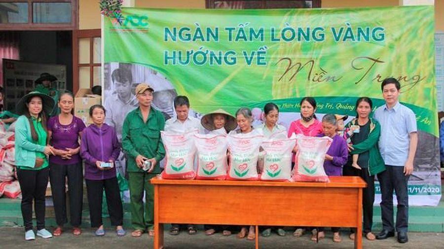 Trao 2.000 suất quà hỗ trợ người dân vùng lũ Quảng Bình
