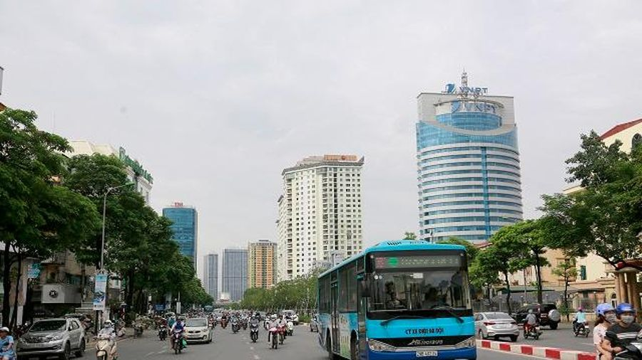 Thực hư việc hàng chục tuyến buýt bị nợ tiền trợ giá