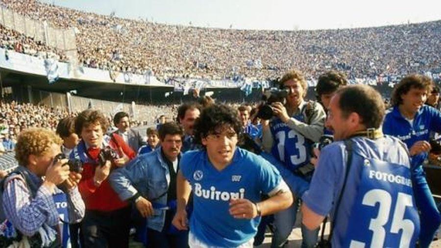 Maradona - Chữ tài liền với chữ tai một vần: [Bài 2] Chúa trời ở Napoli