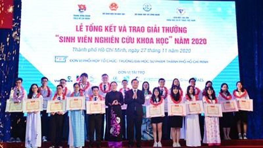 Trao Giải thưởng 'Sinh viên nghiên cứu khoa học' 2020