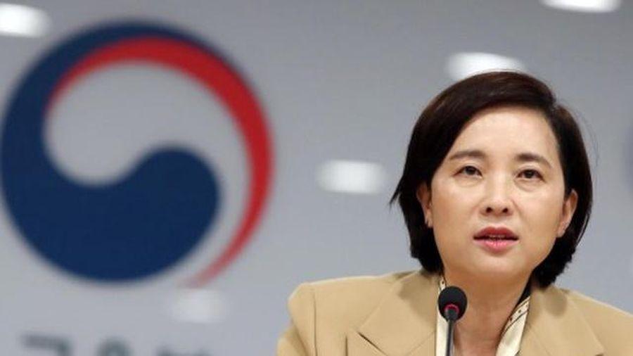Bộ trưởng GD Hàn Quốc kêu gọi người dân hợp tác chống Covid-19 trước kỳ thi ĐH