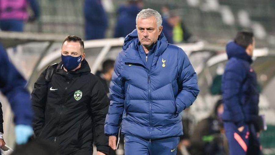 Mourino thấy buồn vì học trò quá trung thực sau khi ghi siêu phẩm