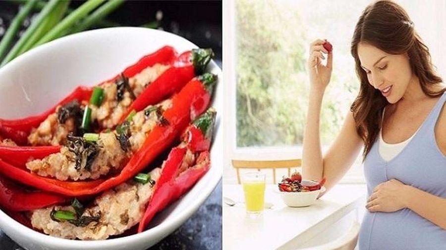 Thai nhi phát 'tín hiệu SOS' khi mẹ bầu cứ vô tư 'nạp' 4 loại thực phẩm không lành mạnh