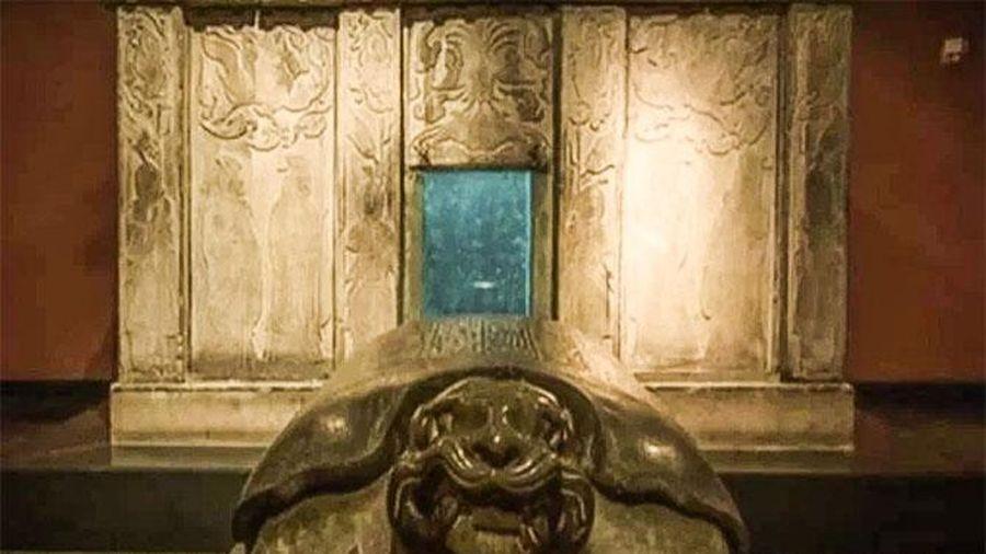 Mộ cổ nghìn năm được khai quật, trên quan tài khắc 4 chữ lớn khiến ai cũng kinh hồn